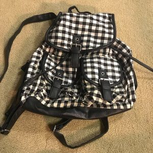 Bags - Checkered black backpack